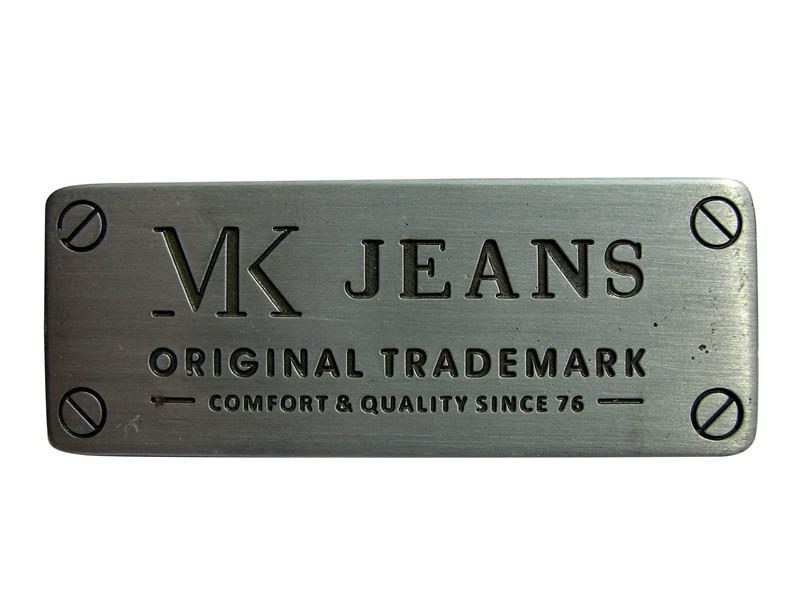 Etiquetas metálicas para roupas