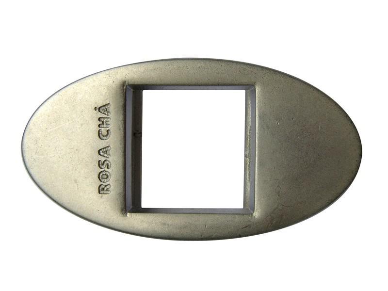 Aviamentos personalizados em metal
