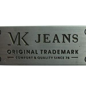 Etiquetas metálicas personalizadas
